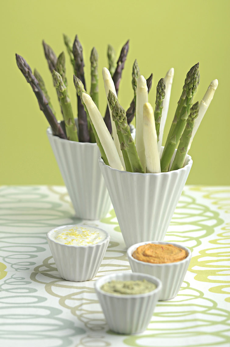 Chilled-tri-color-asparagus-spears-with-roasted-pepper-humus-basil-cilantro-and-tzeke-dipping-sauce-by-Joe-Atlas-food-photography.