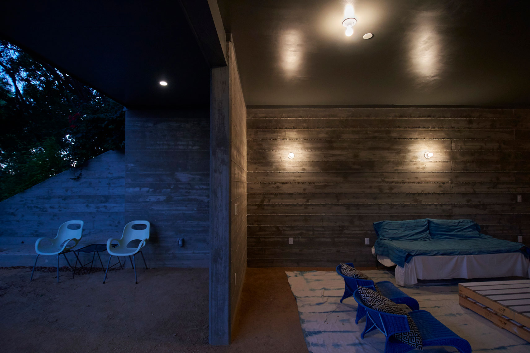 Nightime-patio-detail-of-contemporary-home--by-Los-Angeles-architecture photographer-Joe-Atlas
