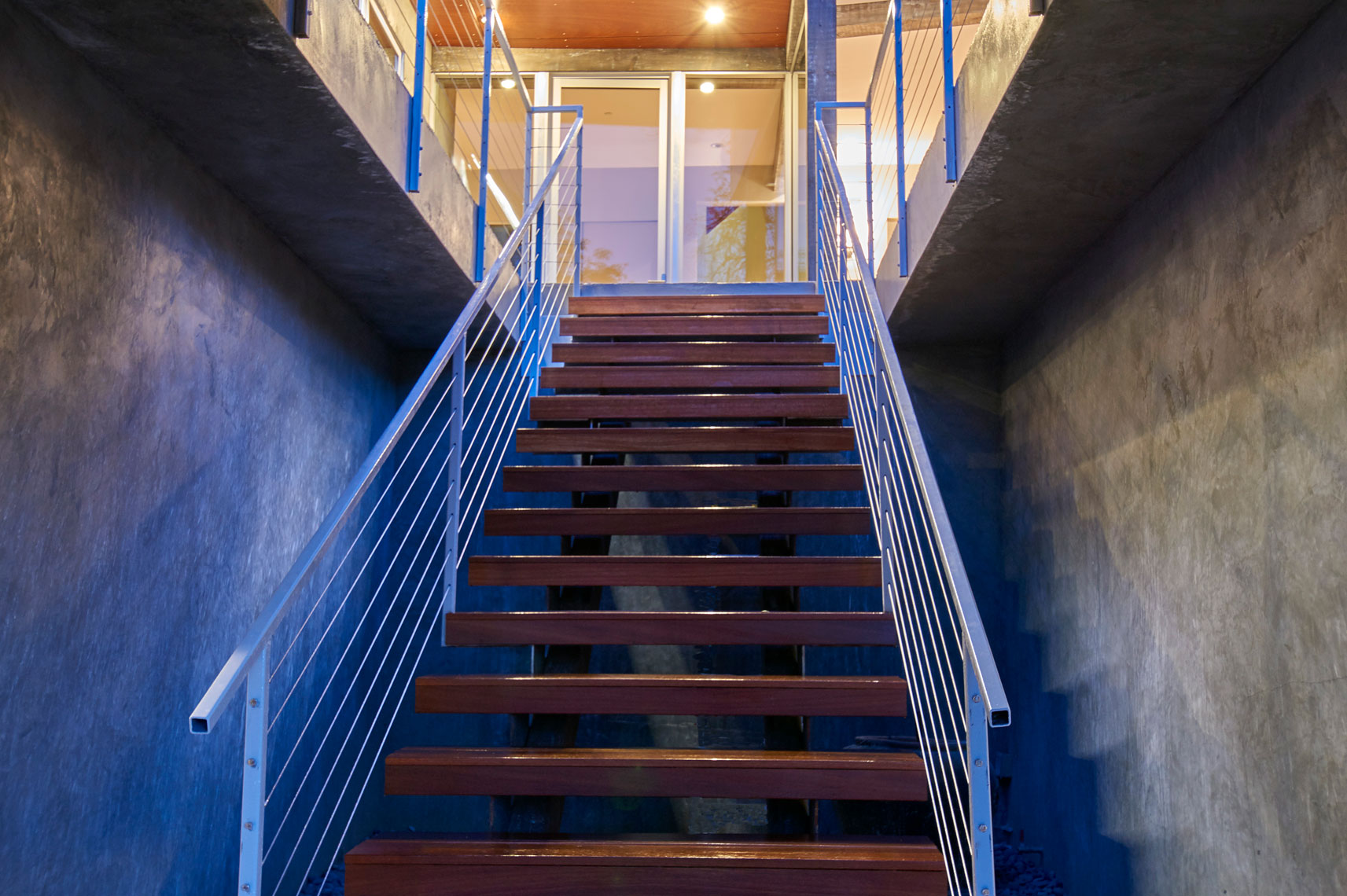 Architectural-photography-of-exterior-view-of-entry-stairway-of-contemporary-home